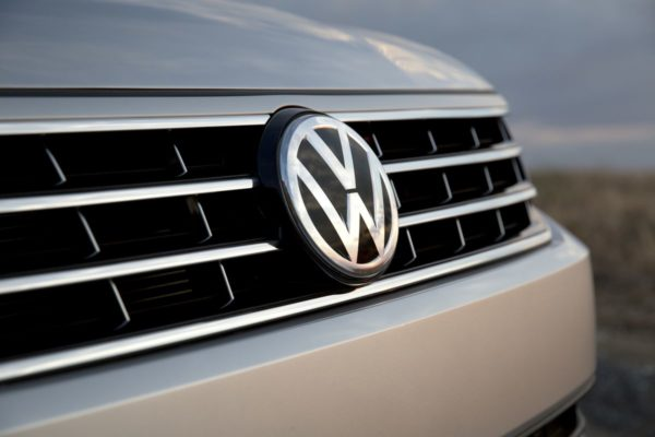 Alemania descarta reporte sobre autos gasolina de VW