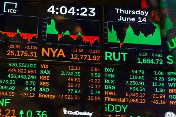 Wall Street abre con ligeras ganancias pese a los datos de paro en EE.UU
