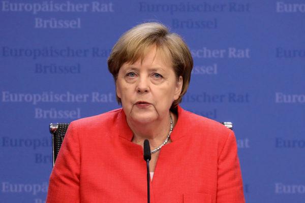 Merkel rechaza propuesta británica de relación futura con la UE