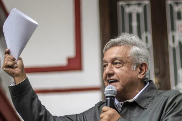 López Obrador niega que haya investigación en marcha contra Peña Nieto