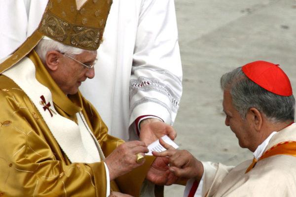 El papa acepta renuncia del cardenal Urosa y nombra un administrador