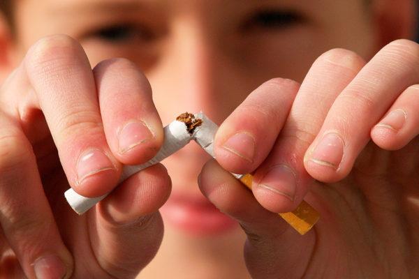 Estudio destaca efectividad de cigarrillos electrónicos para dejar de fumar