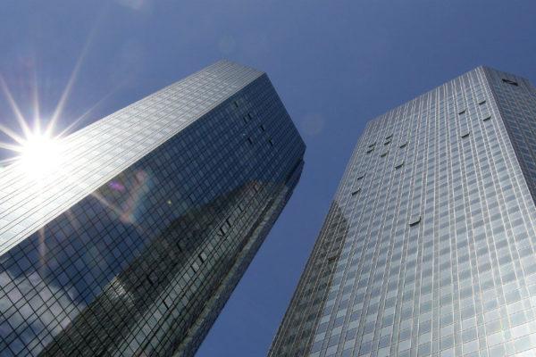 Deutsche Bank resbala con pérdida neta de US$141 millones en primera mitad de 2020