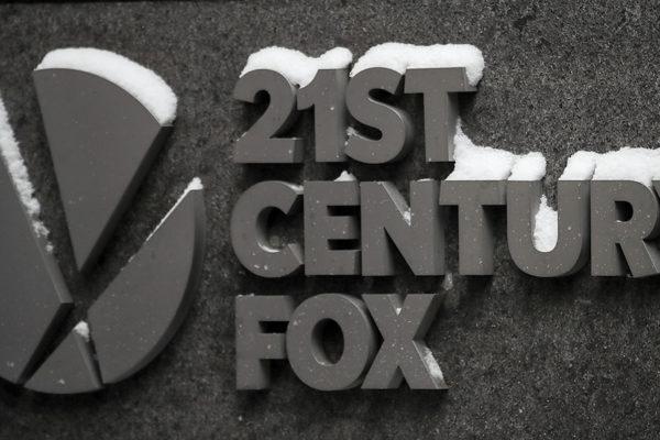 21st Century Fox venderá a Comcast sus acciones en TV Sky