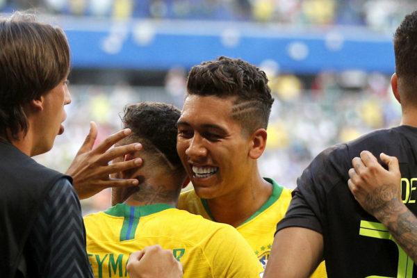 Brasil gana 2-0 a México y se clasifica a cuartos del Mundial