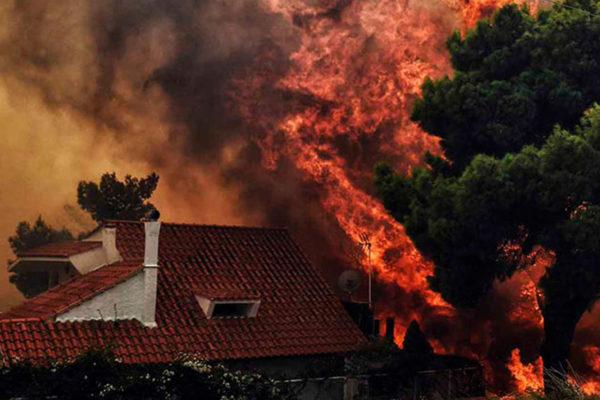Incendios en Grecia dejan 74 muertos y 182 heridos