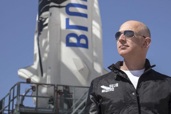Jeff Bezos devela un vehículo de alunizaje llamado Blue Moon