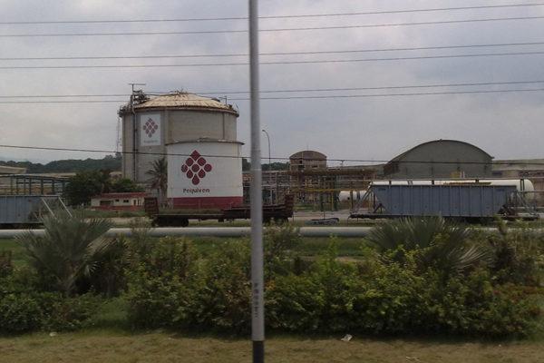 Evacuaron a empleados de Pequiven tras falla en El Tablazo