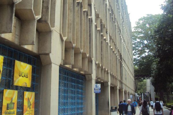 La UCAB se ubica entre las 100 mejores universidades de América Latina