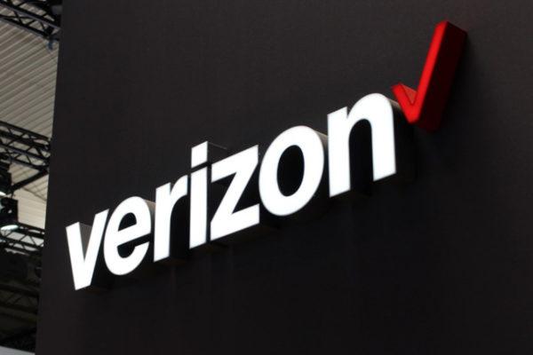 Verizon gana clientes de telefonía móvil pero modera su facturación