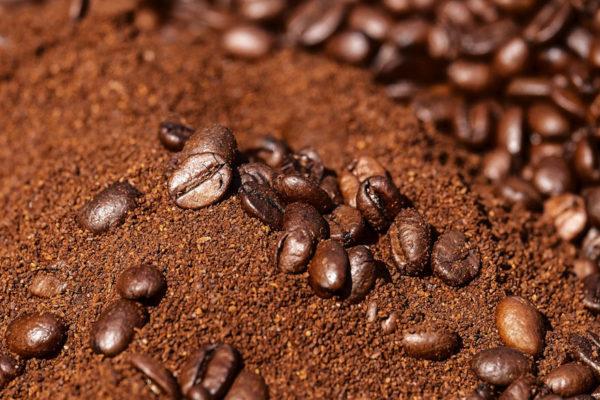 Un kilo de café vale cinco veces el salario mínimo