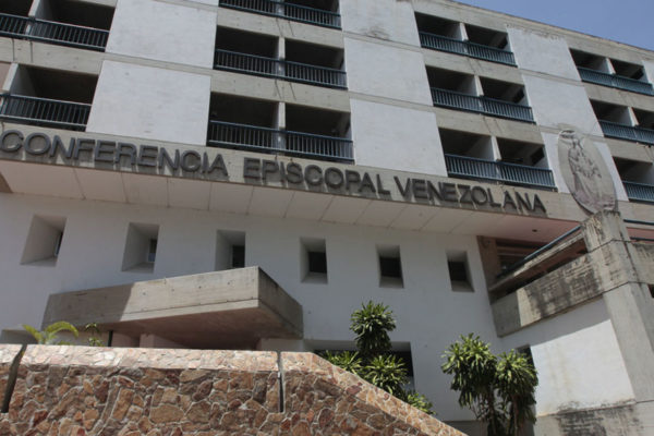 Iglesia venezolana denuncia falta de respuesta y represión ante apagones