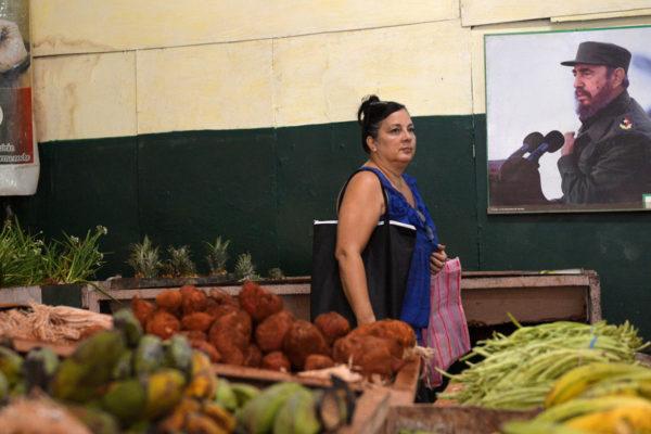 Se disparan los precios en Cuba, una revolución que importa 80% de los alimentos