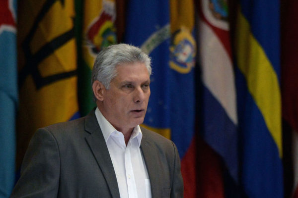 Díaz-Canel: En Cuba no hay ni habrá giros capitalistas