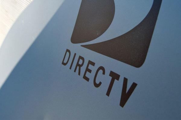 Estados Unidos presiona a DirecTV para restablecer canales censurados