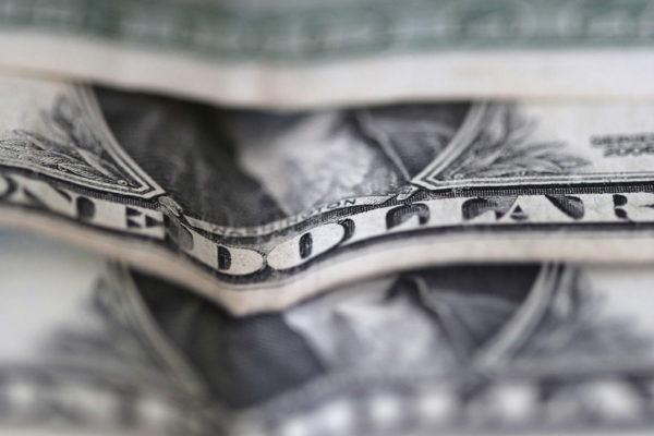 Dólar oficial consigue ligero avance de 0,10% y abrirá este #04Mar en Bs.1.865.046,29