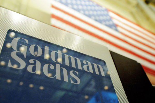 Goldman Sachs ganó $10.459 millones en 2018, un 144% más