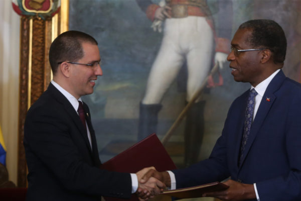 Venezuela y Haití reactivan comité binacional de financiamiento