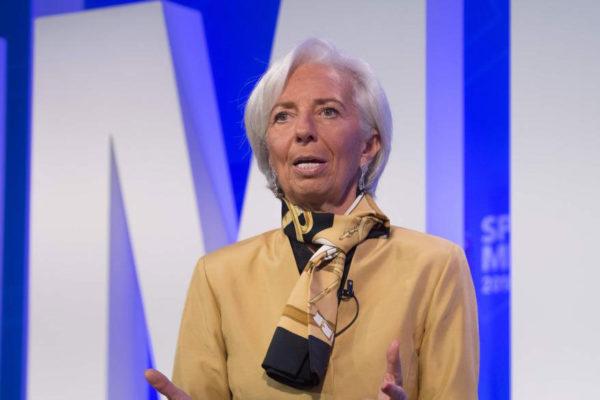 Lagarde criticó la forma de Trump de comentar política monetaria en Twitter