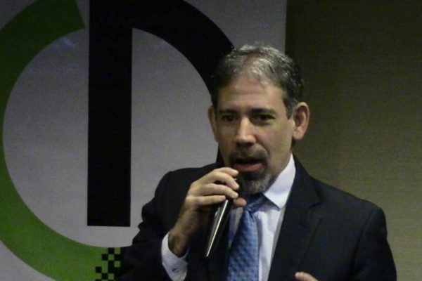 'Asistencia financiera internacional': Lo que necesita Venezuela según el economista Vera