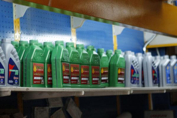 Pdvsa vende lubricantes a precios justos en El Poliedro