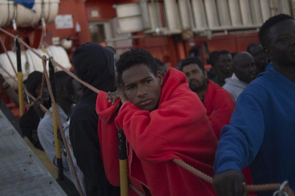 España pide solución europea a problema de inmigración