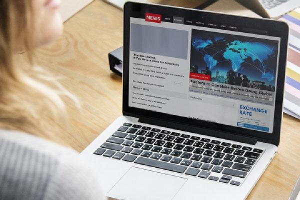 Parlamento británico propone un impuesto contra las noticias falsas