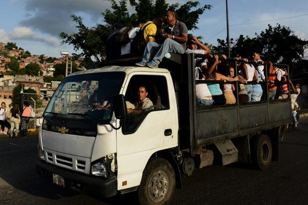 Cabello: Colapso del transporte es un guión repetido