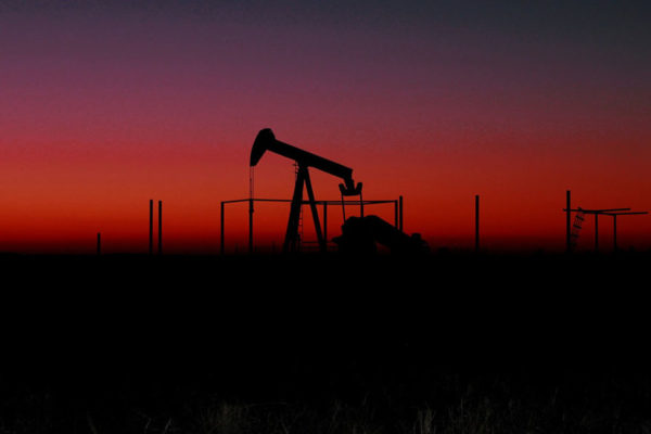Producción petrolera de Venezuela cayó a 670.000 barriles diarios
