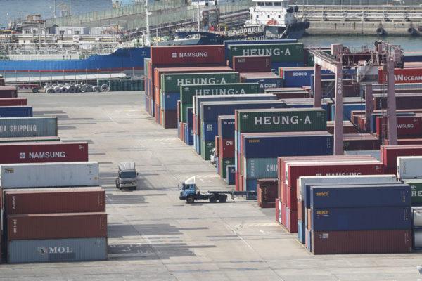 OMC prevé un freno del comercio mundial por tensiones China-EEUU y brexit