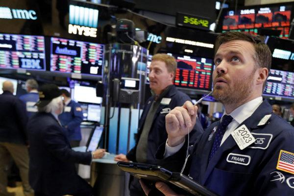 Wall Street cierra por cuarto día en rojo y el Dow Jones retrocede un 0,43 %