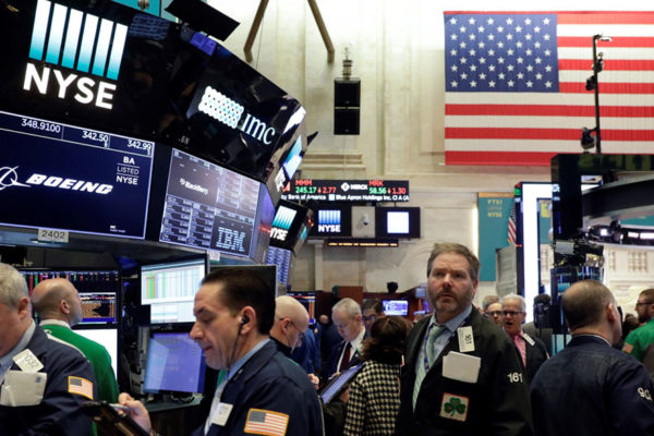Wall Street abre con pérdidas leves por últimos datos de desempleo