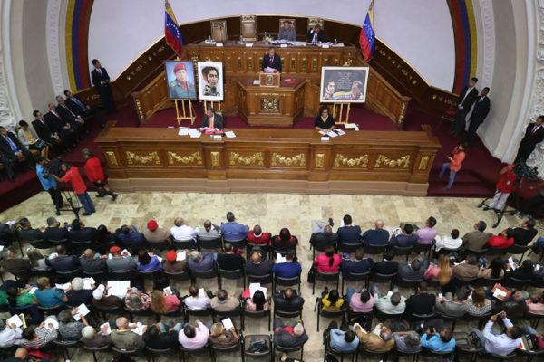 Constituyente allanará inmunidad a diputados que apoyaron fallido alzamiento militar