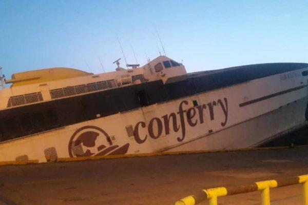Se hunde buque de Conferry en puerto de Guanta