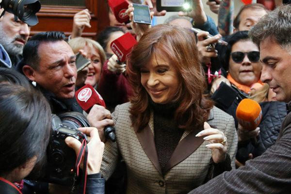 Anuncian juicio oral contra Cristina Fernández por cartelización de obras