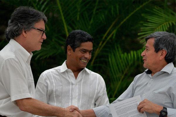 Gobierno de Colombia y ELN cierran diálogos de paz sin alto al fuego
