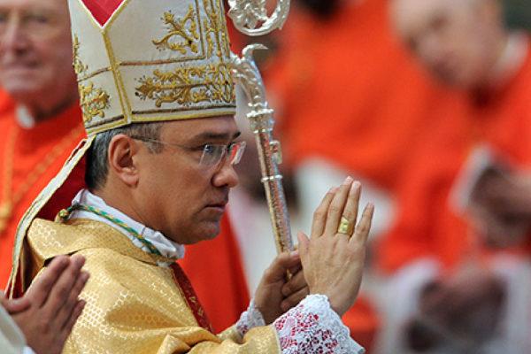 Papa nombra a venezolano sustituto de la Secretaría de Estado