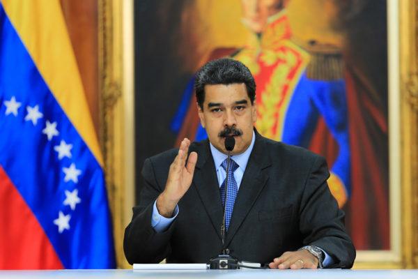Maduro dice que aceptaría ayuda del FBI por supuesto atentado