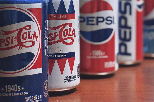 Pepsi cumple 120 años y revive momentos de la cultura pop