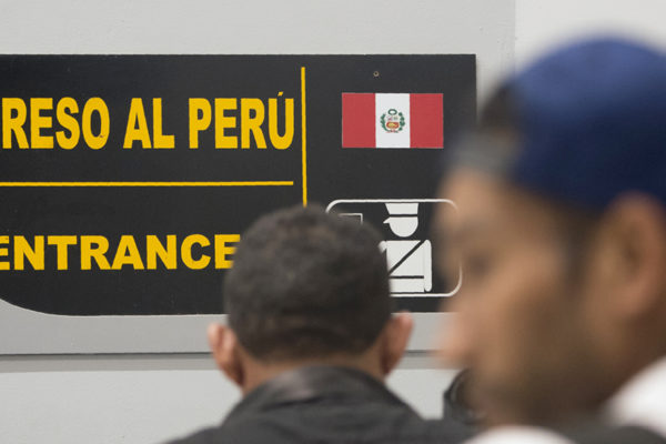 Fiscalía peruana abre causa a alcalde por cruzada contra venezolanos