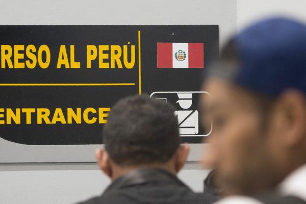 Perú cerró la frontera a migrantes venezolanos sin pasaporte