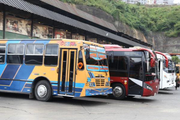 Transporte interurbano funcionará durante esta semana en todo el país excepto en dos estados