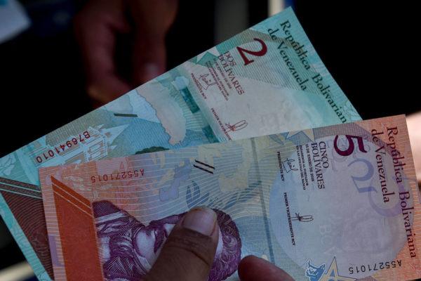 Liquidez monetaria retoma alzas semanales de dos dígitos