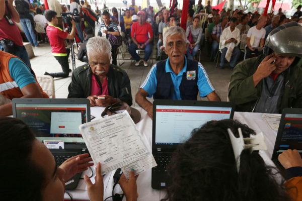 Gobierno dice que hay participación masiva en censo automotor