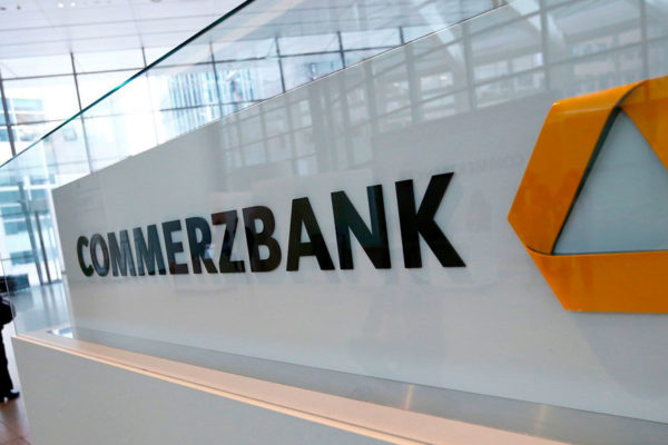 BCE reduce las exigencias de capital al Commerzbank