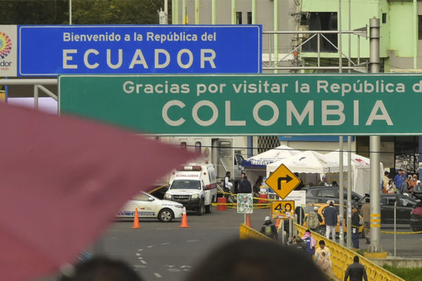 Venezolanos alargan huida hasta Ecuador por saturación en Colombia