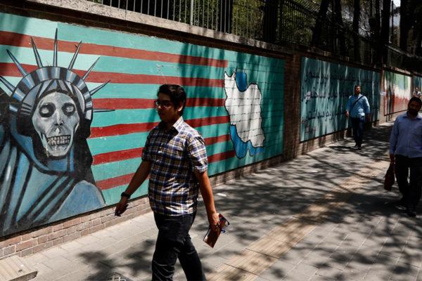 Trump amenaza a países que comercien con Irán