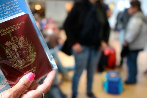 Entregarán prórrogas de pasaporte a venezolanos en el exterior