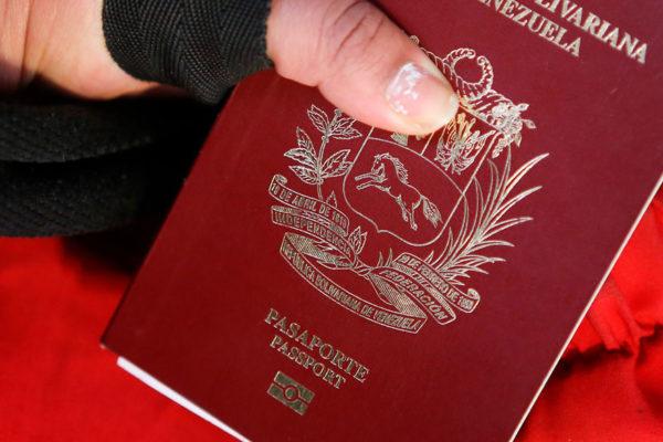 Chile extiende resolución que prolonga vigencia de pasaportes venezolanos vencidos