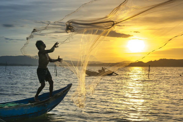 Por la escasez de combustible  La producción pesquera ha bajado un 30%